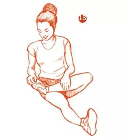 跑步前后有哪些必做的拉伸动作?-多锐运动